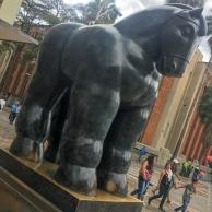Caballo con bridas, Plaza Botero