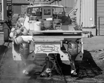 Boat cleaning, Arbroath