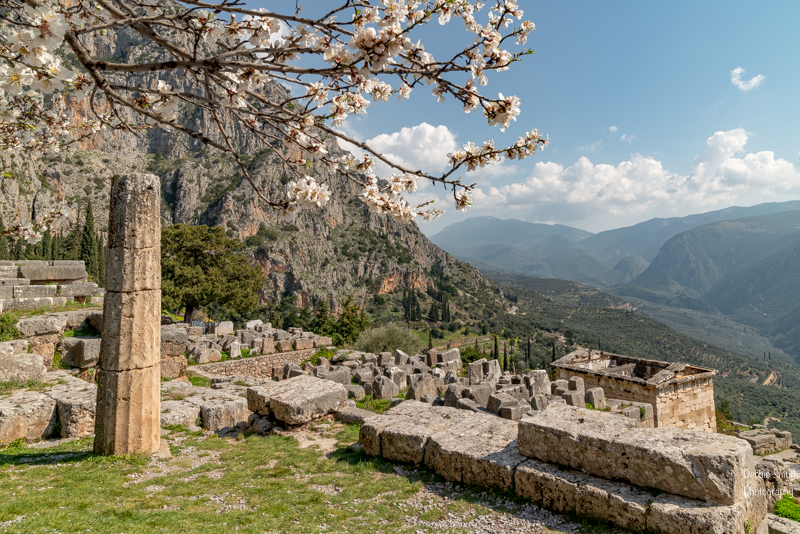 Come dawdle in Delphi — Travel with Intent