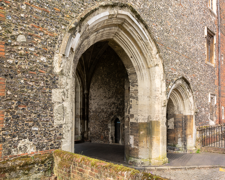 st albans great gateway Thomas de la Mare abbey cathedral 1363